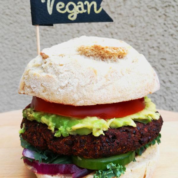 VegeBook - wegańska książka, najlepsze roślinne i wegańskie przepisy